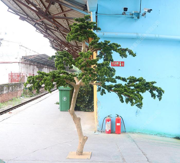 仿真迎客松树