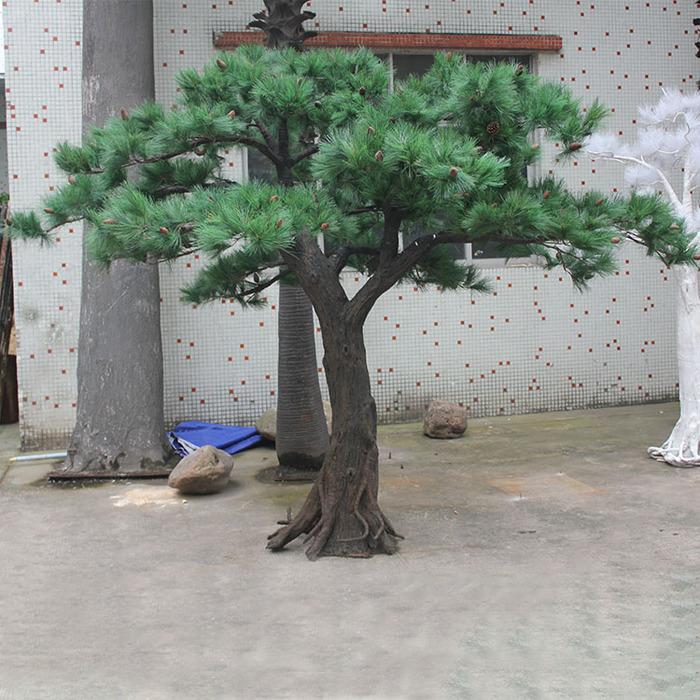 造型仿真松树