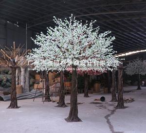 白色仿真桃花树