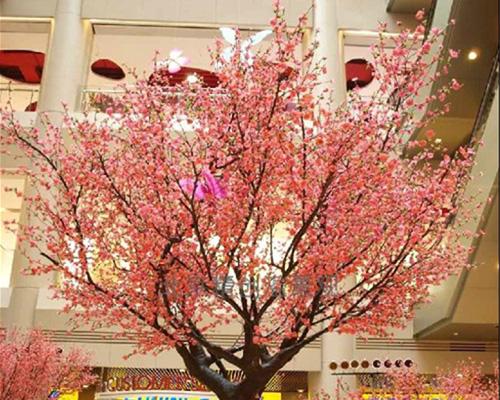 商场樱花树